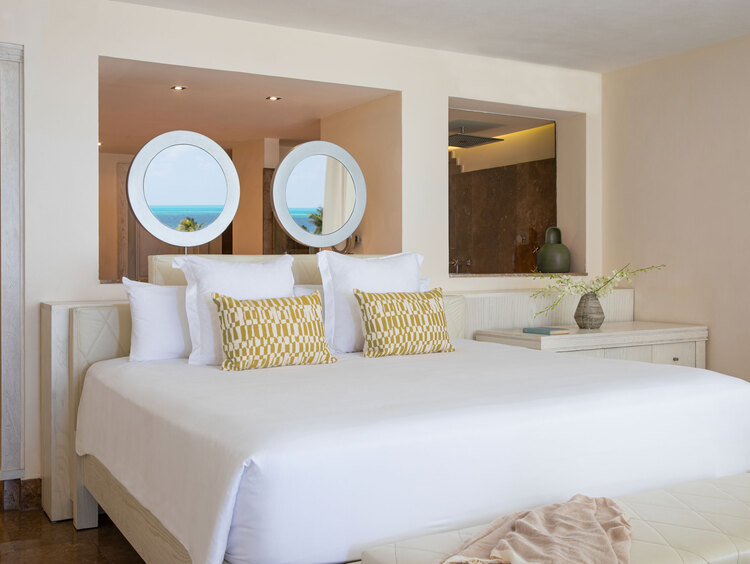 Beloved Playa Mujeres Hotel with Jacuzzi Suites